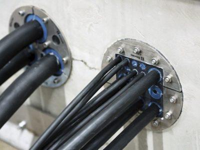 Монтирование гермоввода при наличии повышенной влажности и под потоком воды
